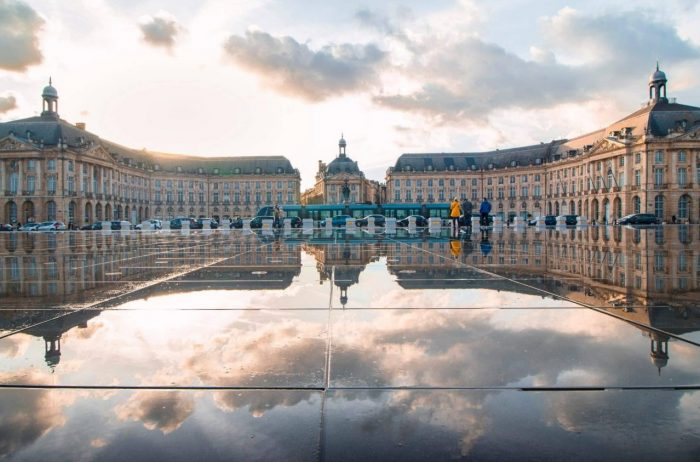 Bordeaux transport french linguistic stay