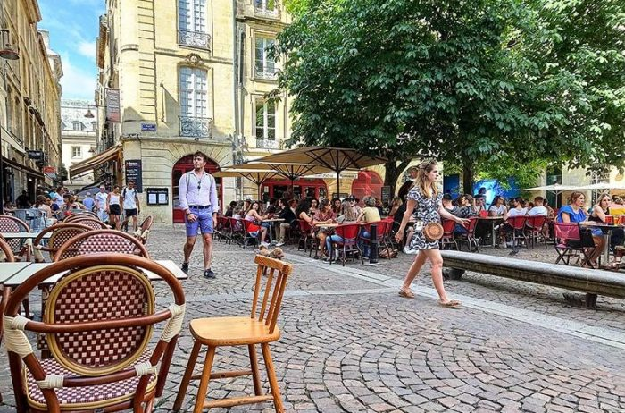 Bordeaux bar and restaurants linguistic stay
